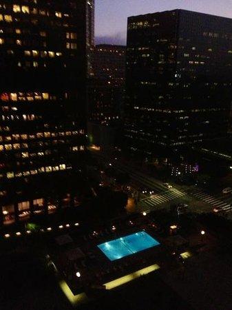 The Westin Bonaventure Hotel & Suites: vista dalla camera
