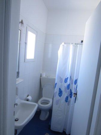 Melina Hotel: bathroom