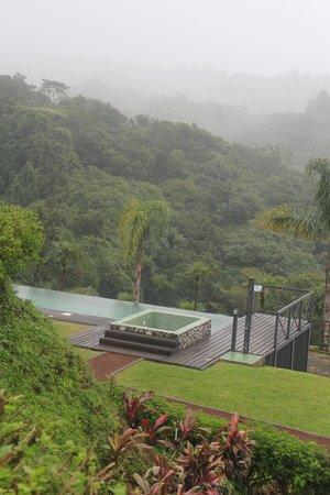 Hotel Mango Valley: Veduta e piscina
