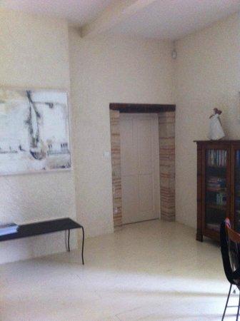 Chambres d'hotes La Castille: vaste chambre