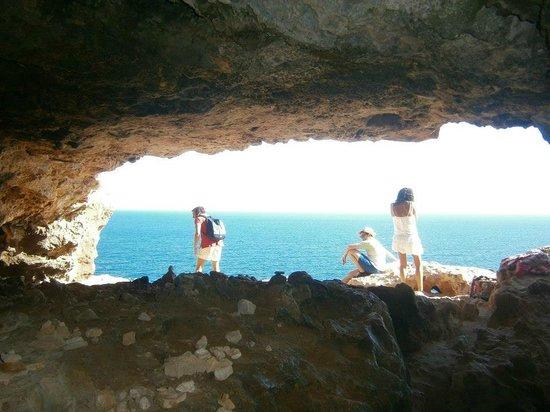 Faro de Cabo de Berbería (Far de Barbaria): Grotta