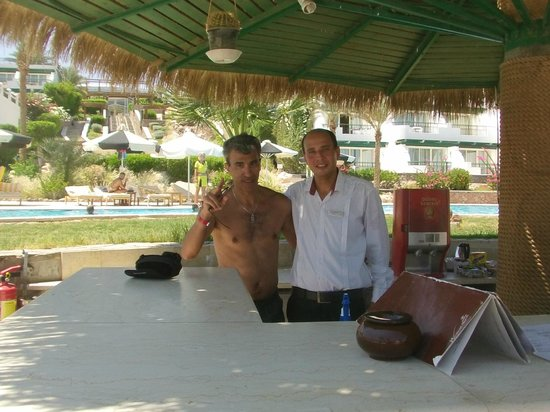 Hilton Sharm Waterfalls Resort : Chef de service
