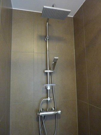 B&B Amaryllis : shower