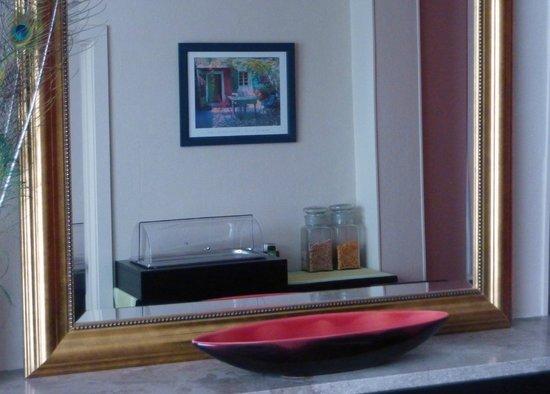 B&B Amaryllis : dining room