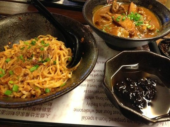 Life Cafe: Spicy Noodle with Chicken Curry