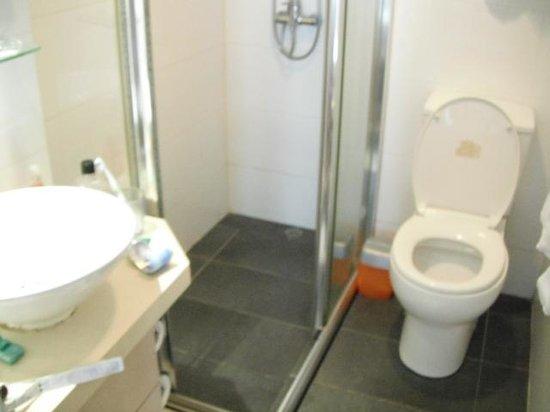 Wifi Hotel: Bath