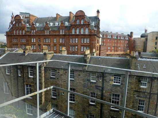 Cityroomz Edinburgh : Rear window view