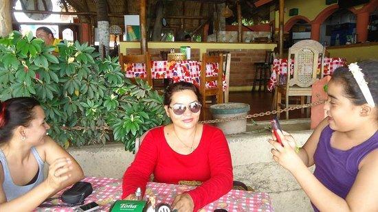 Restaurante y Pizzeria La Terraza: Rancho Pizza San Juan frente a Marina san juan del sur
