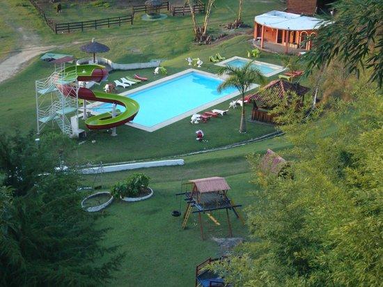 Piscina com tobo gua picture of hotel fazenda vitoria for Piscinas vitoria