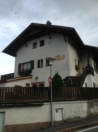 Stadlerhof: Frontespizio