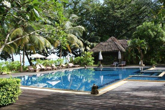 Khaolak Paradise Resort: The swimming pool