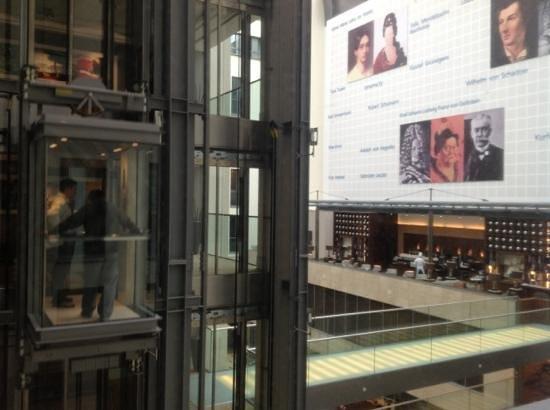 InterContinental Düsseldorf: vista do quarto