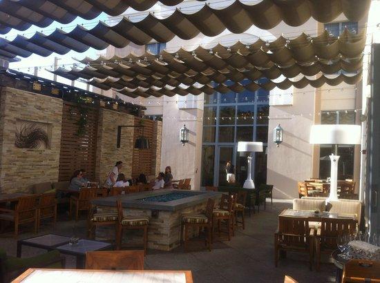 The Westin Pasadena: Patio Restaurant