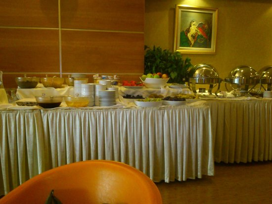 Best Western Hotel Ikibin-2000 : buffet colazione