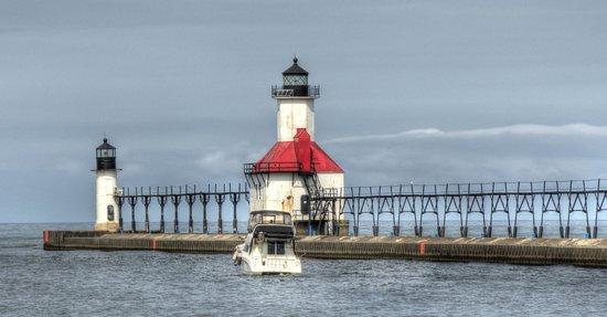 Silver Beach County Park: Lighthouse