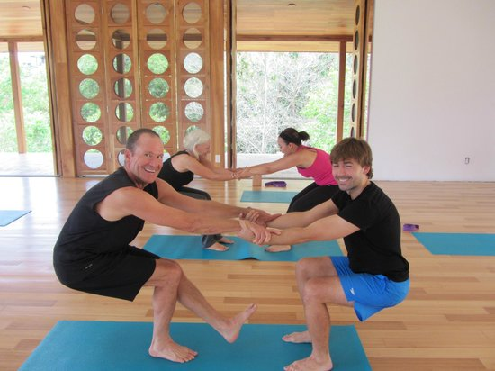 Panama Yoga Retreats: Partner Yoga