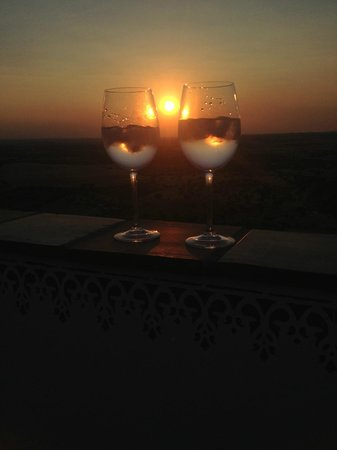 Casa Pinto: Tasting a Gin Tonic and enjoying the Sunset!