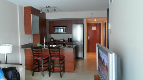 Embassy Suites by Hilton Montreal : Nice kitchen