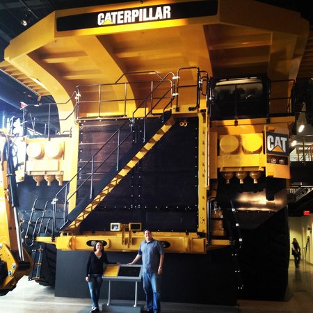 Caterpillar Visitors Center: CAT 973 - 400 toneladas