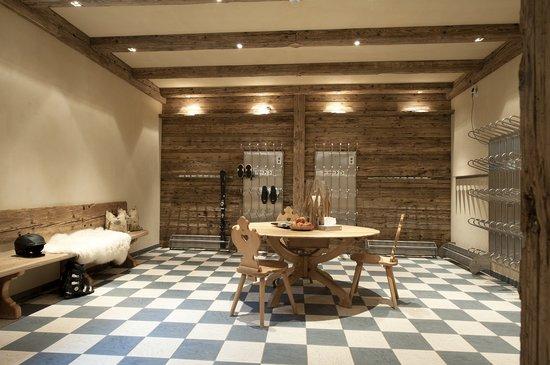 Hotel Maiensee: Ski room