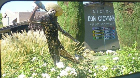 Bistro Don Giovanni: Entrance Drive