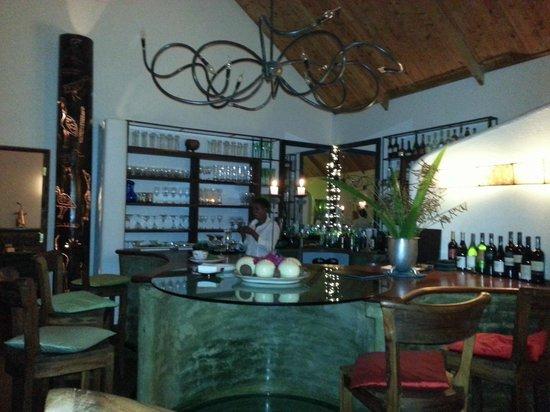 The Plantation Lodge & Safaris: bar