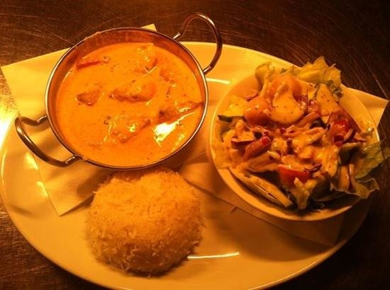 The Chestnut Tree: delicious homemade curries and Wednesdays meal: Any Curry & selected drink for just £5,95