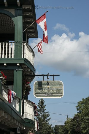 The Gananoque Inn and Spa: Outside view