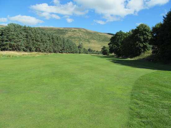 Macdonald Cardrona Hotel, Golf & Spa: 17th Fairway looking Back