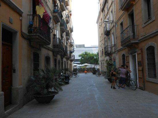 Barceloneta Suites: De straat