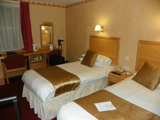 The Royal Victoria Hotel Snowdonia: View of suite from other angle