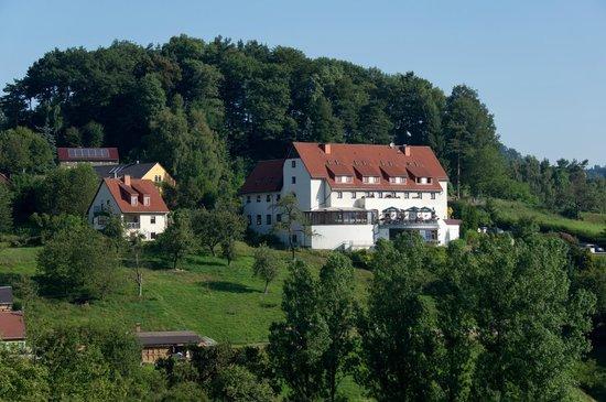 Hotel Rathener Hof: Rustig gelegen in een groene, landelijke omgeving.