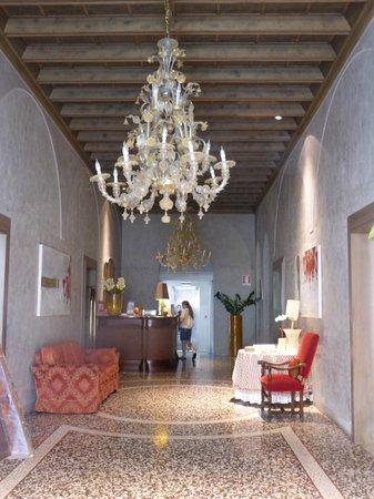 Albergo Cappello : reception area