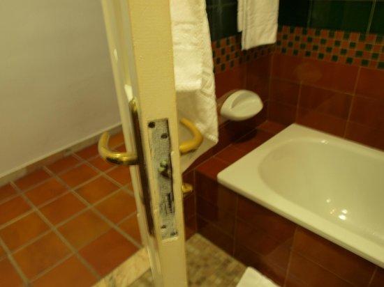 Hotel Fontecruz Sevilla Seises: porta del bagno