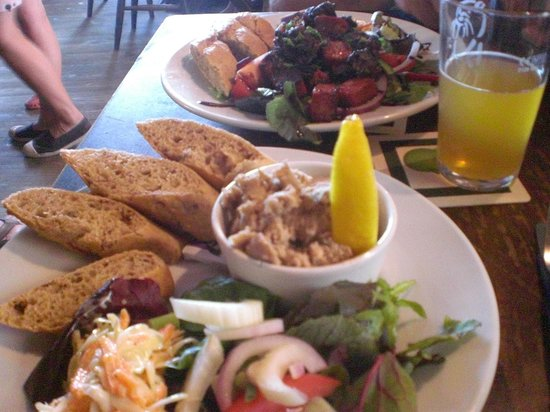 Ferry Boat Inn: a very fine lunch