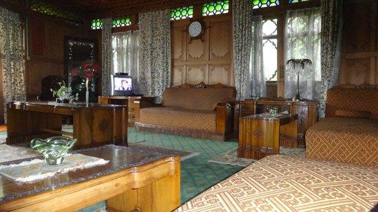 New Alexandra Houseboats: Living room