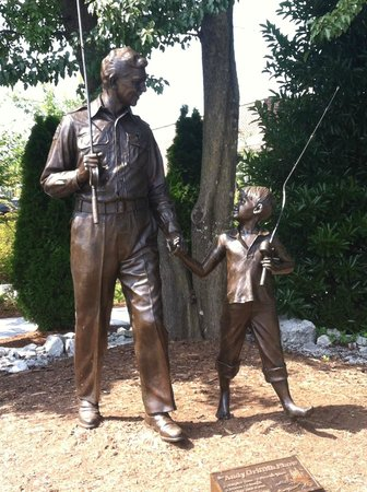 The Andy Griffith Museum: Andy & Opie