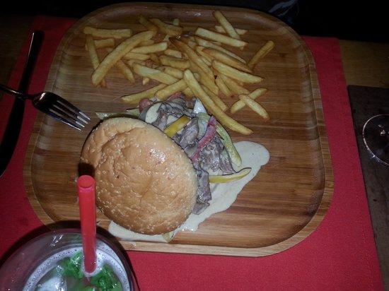Jimmy Joker Steakhouse: Texas burger delicious