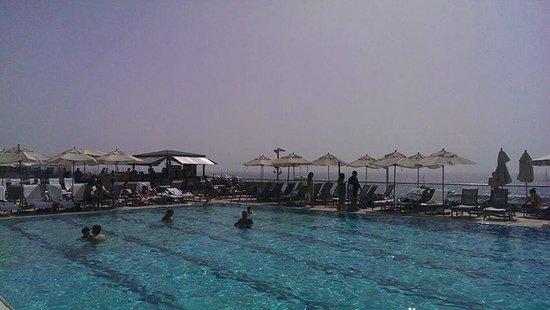 Hilton Tel Aviv: Saltwater Pool