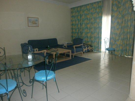 Residence Mehari Hammamet: Eß-Wohnzimmer