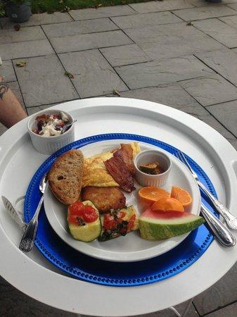 Chatham Gables Inn: delicious breakfast