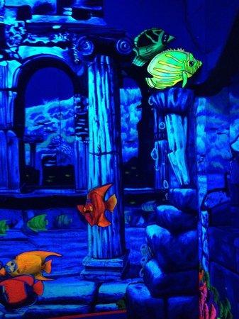 King Neptune's Indoor Blacklight 3-D Mini Golf: Fish mural