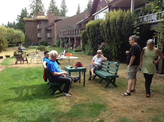 Deer Lodge Motel: Great place for a family gathering