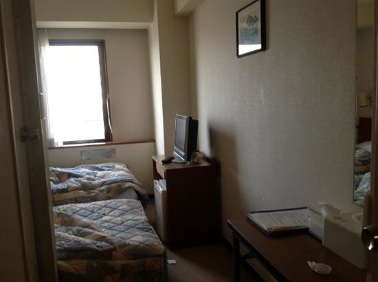 Marroad Inn Tokyo : the small room ..