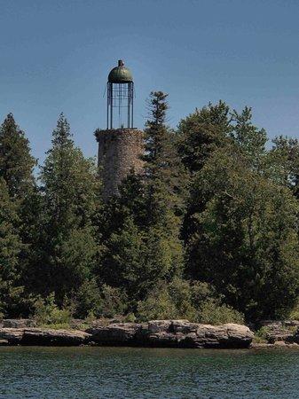 Lakeshore Adventures : Birdcage lighthouse near Baileys Harbor