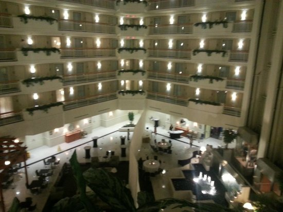 Embassy Suites Newark - Wilmington/South: view from the elevator of the atrium