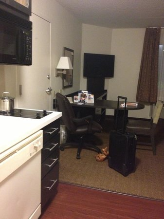 Candlewood Suites - Hampton: Work station
