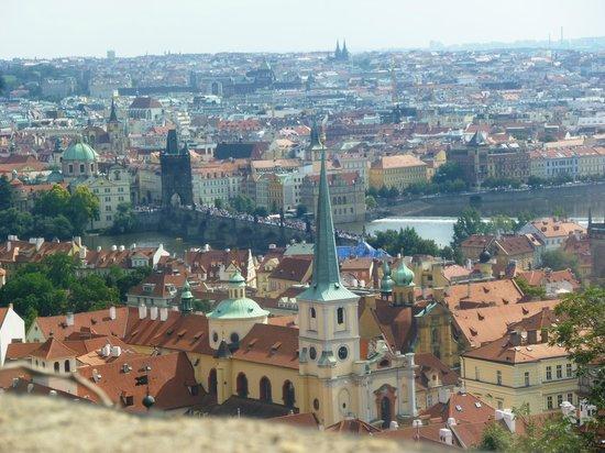 Avantgarde Prague Tours : Pont Charles vu du Château