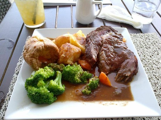 Sands Ibiza : Roast beef sunday lunch