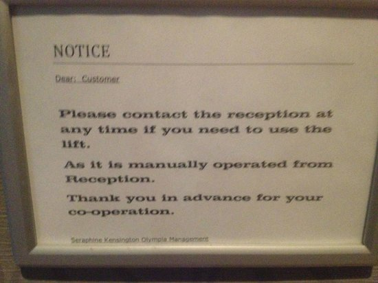 BEST WESTERN Seraphine Kensington Olympia Hotel: Sign on the lift